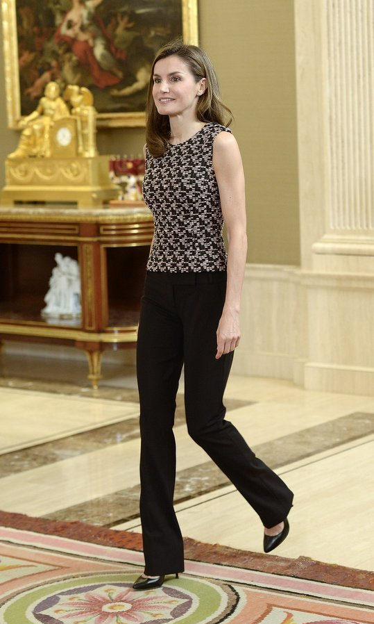 Queen Letizia of Spain swapped her usual super-glam looks for this rather more subdued monochrome ensemble worn for a meeting at Zarzuela Palace in Madrid on June 8. 