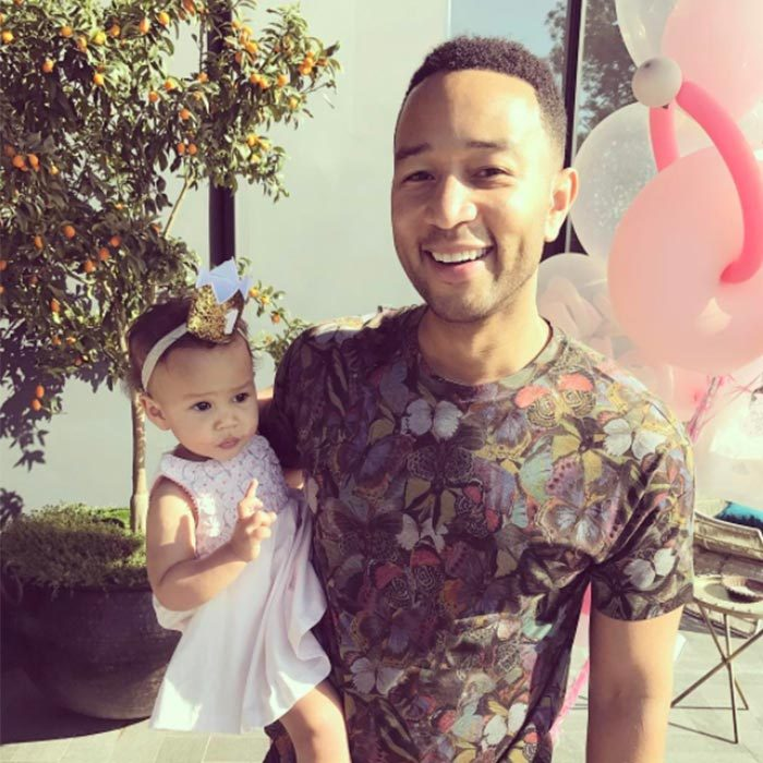 <h2>John Legend</h2>