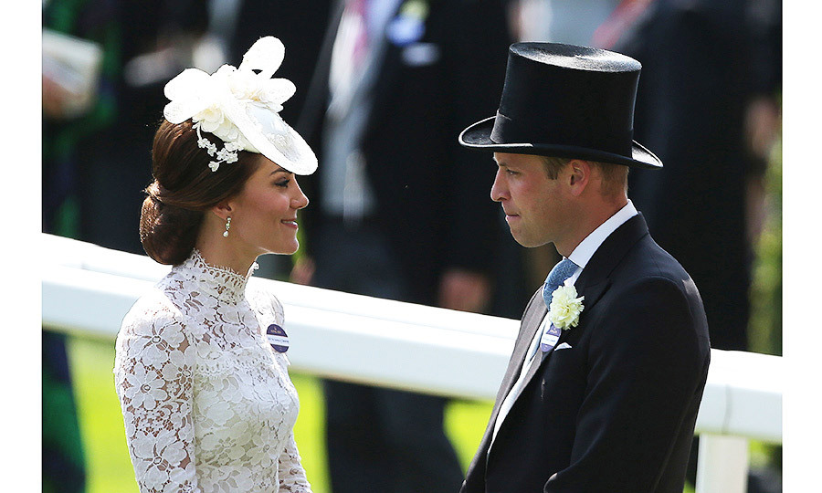 <p>Despite being surrounded by the throngs of racegoers William and Kate at times looked to be in a world of their own.</p>
