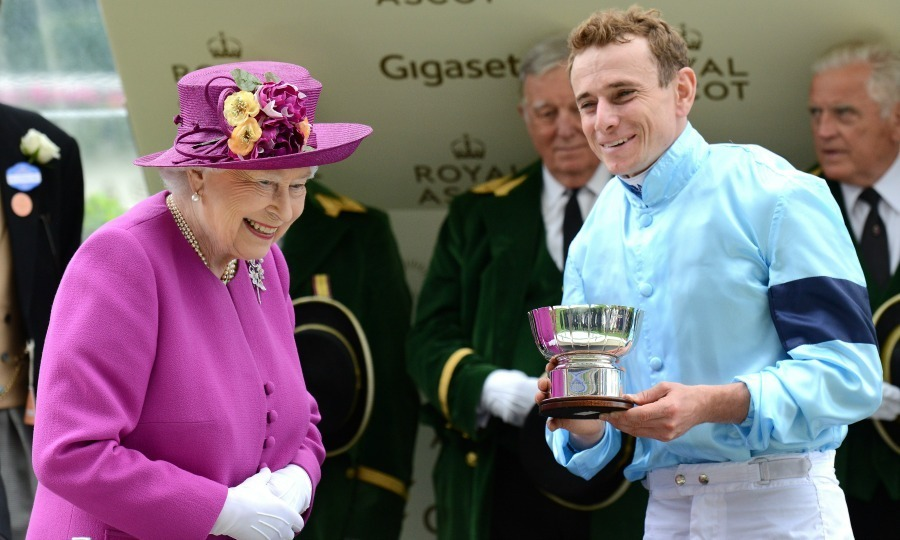 The 91-year-old monarch presented the Global Sprint Challenge Cup to Ryan Moore as the week of horseracing came to a close. 