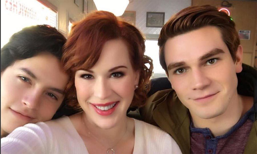 After a small stint on Riverdale in season one, Molly Ringwald will return next season to help her son Archie deal with the aftermath of his father's shooting. 