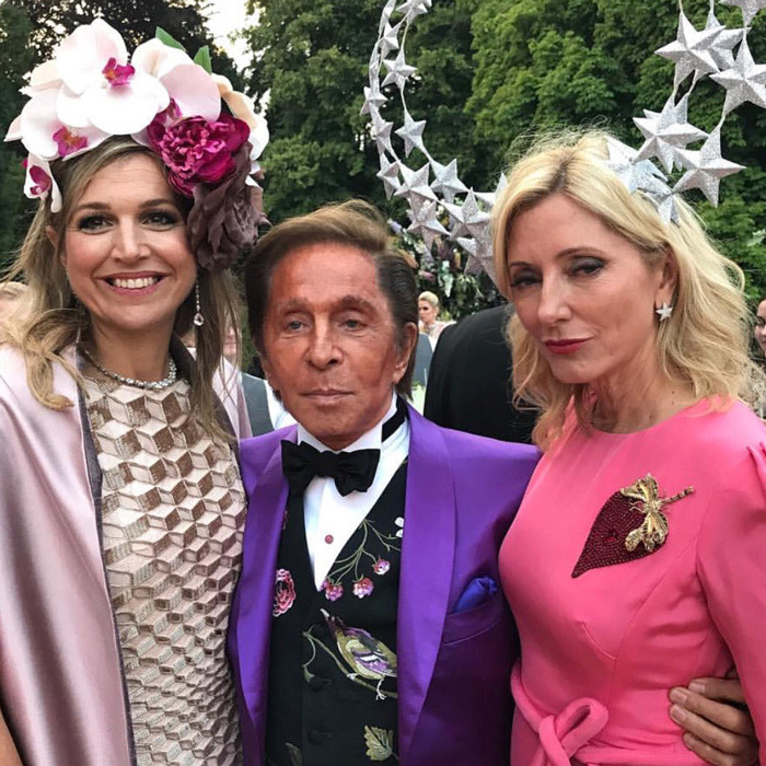 Queen Maxima (L) posed with designer Valentino and Crown Princess Marie-Chantal.
