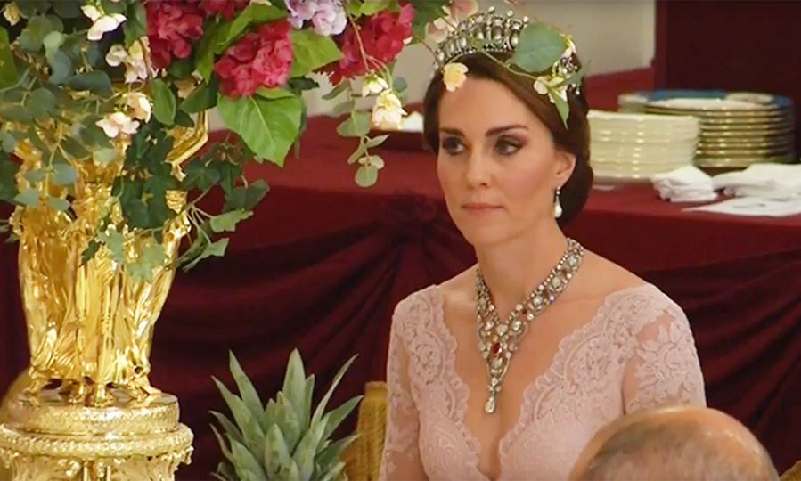Kate Middleton borrows the Queen's ruby necklace for state ...