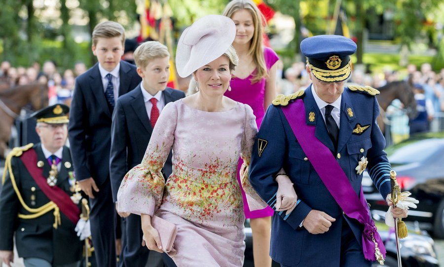 In honuor of the occasion, which also includes a military parade and a fireworks display, the Belgian royals attended the Te Deum mass in Brussels' Cathedral of St. Michael and St. Gudula.