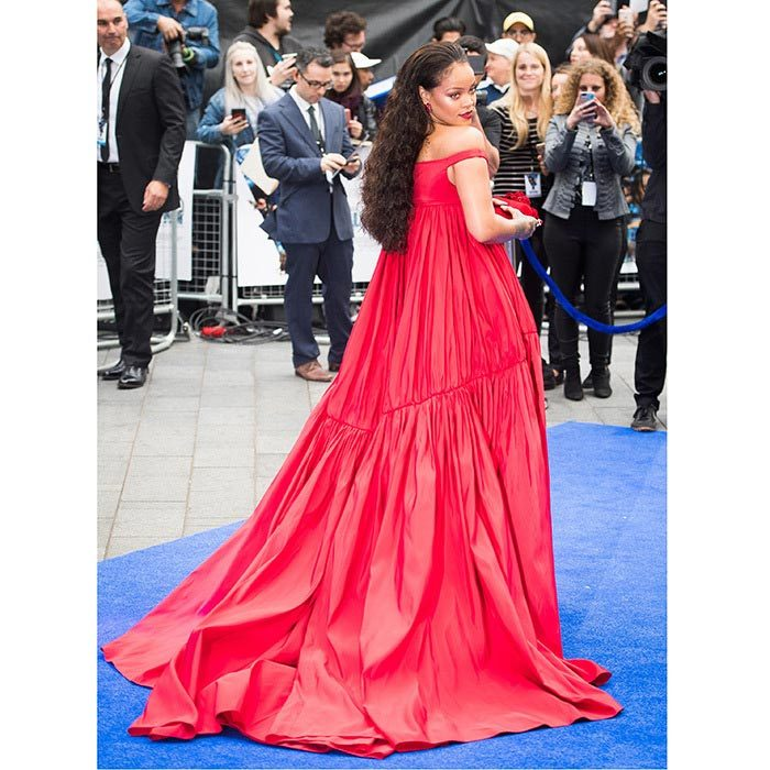 Rihanna sure does know how to make an entrance! The star wore a show-stopping red Giambattista Valli gown to the premiere of Valerian And The City Of A Thousand Planets in London.