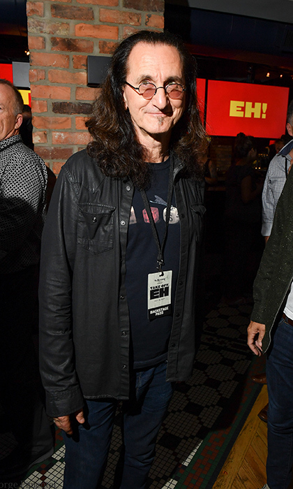 <h3>Dave Thomas and The Second City's Take Off, Eh!</h3>