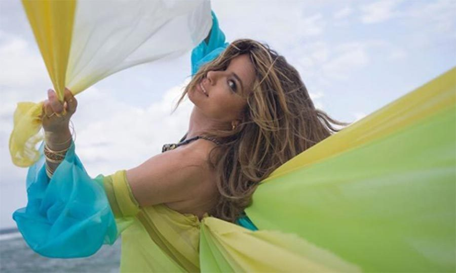 Shania Twain looks happier than ever in her music video for