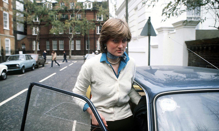 "Lady <strong><a href=""/tags/0/princess-diana"">Diana Spencer</a></strong> outside her flat in Coleherne Court, London, in December 1980, ahead of her engagement to the <strong><a href=""/tags/0/prince-charles"">Prince of Wales</a></strong>.