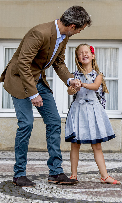 Princess Josephine looked adorable on her first day of school on Aug 15. The six-year-old was all smiles as she arrived to her classes with her dad Prince Frederik. 