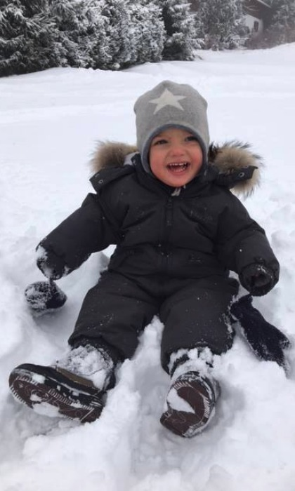 Prince Nicolas had fun in the snow and his mommy Princess Madeleine captured the precious moment. 