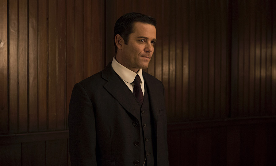 <h3>MURDOCH MYSTERIES</h3>