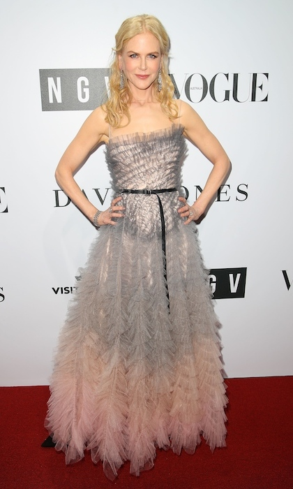 Nicole Kidman headed home to Australia to attend the NGV Gala at NGV International on August 26. The actress looked exquisite in a strapless pale grey and pink dress by Chanel. 