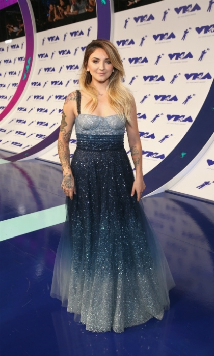 <h3>Julia Michaels</h3>