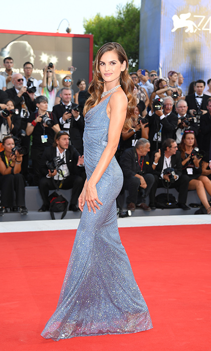 <h4>Izabel Goulart</h4>