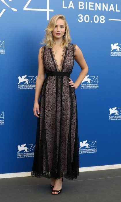 <h4>Jennifer Lawrence at the photocall for <em>mother! </em></h4>