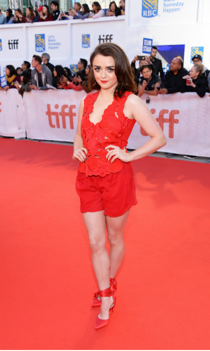 <h4>Maisie Williams at the premiere of <em>Mary Shelley</em></h4>