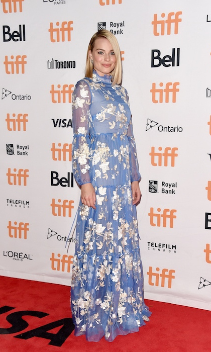 Margot Robbie made a lovely appearance in an Erdem gown at the premiere of her film I, Tonya.
