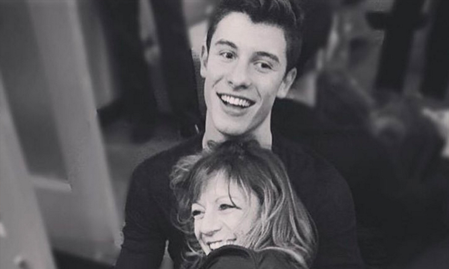 Shawn Mendes And His Mom Get Matching Tattoos Hello Canada