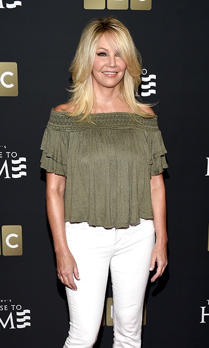 <p>TMZ have claimed the Dynasty star, 55, is being treated for minor injuries following the accident. It has also been reported that police officials have said neither drugs or alcohol have played a role.</p>