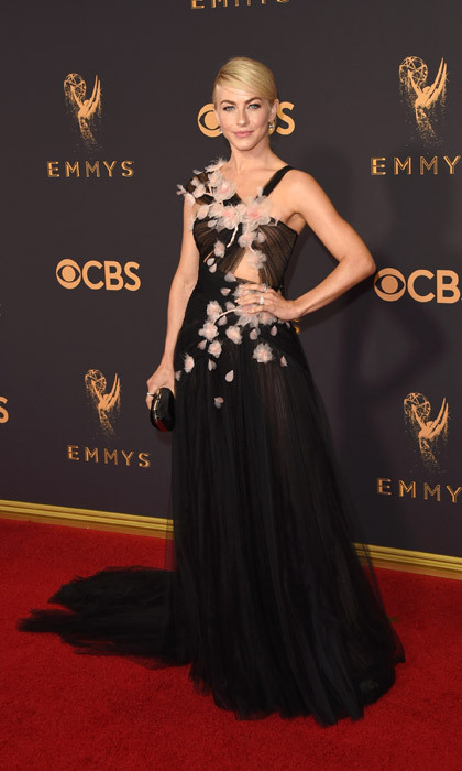 <h4>Julianne Hough in Marchesa</h3>