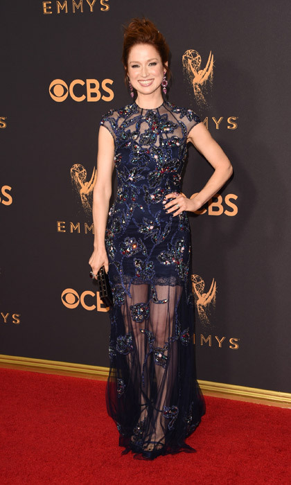 <h4>Ellie Kemper in Jenny Packham</h4>
