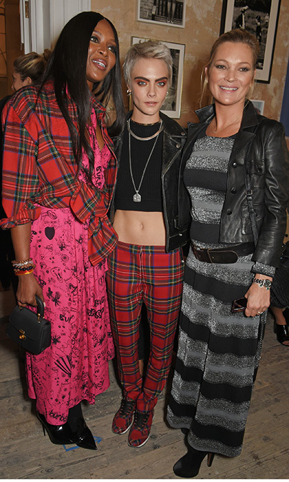 <p>Supermodel summit! Naomi Campbell, Cara Delevingne and Kate Moss hit the FROW at Burberry at The Old Sessions House.</p>