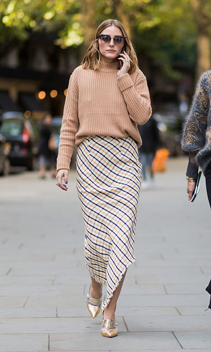 <p>Olivia Palermo was cozy in knits as as she arrived for the Peter Pilotto presentation.</p>