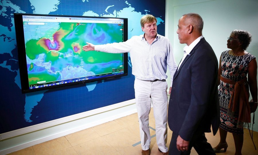 <p>On September 10, King Willem-Alexander of the Netherlands visited Willemstad, on the Dutch island of Curacao that was hit by Hurricane Irma. The monarch arrived on the Caribbean island to view first-hand the aid and rescue operation for nearby Saint Martin (Sint Maarten), ANP news agency said. </p>