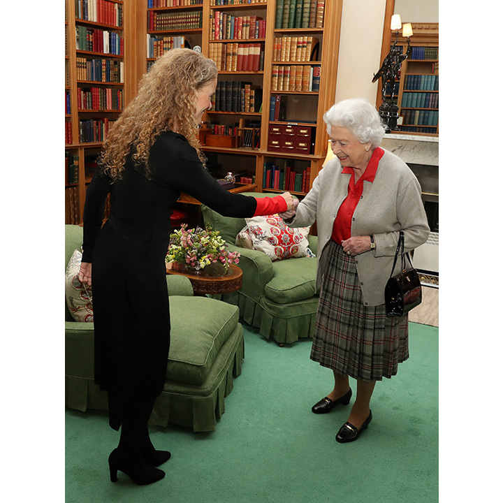 Incoming Governor General Julie Payette travelled to Balmoral Castle on Wednesday (Sept. 20) to have her first audience with the Queen. The former astronaut is taking over the prestigious post from David Johnston, who acted as Her Majesty's representative in Canada for the past seven years. 