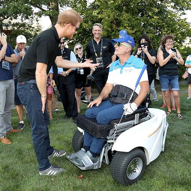 While on the course, the royal chatted with player Roberto Punzo. 