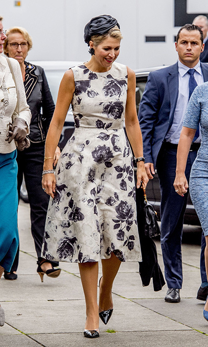 <p>Dutch Queen Maxima stepped out in an A-line dress with purple floral print at the World of Health Care 2017 meeting in The Hague on September 28.</p>