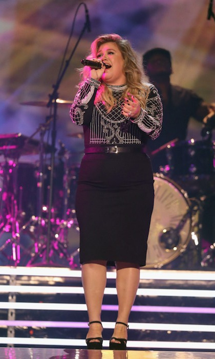 "Kelly Clarkson belted out two songs during the show, her new song ""Love So Soft,"" and her inspiring hit single ""Stronger.""