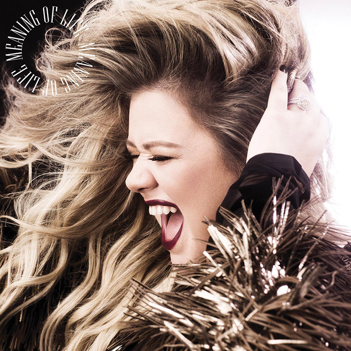 <h4>Kelly Clarkson</h4>