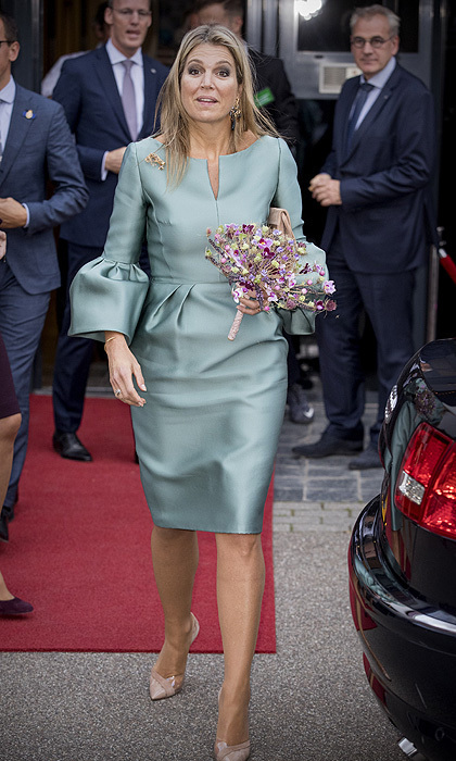 "<p>All eyes were on <a href=""https://us.hellomagazine.com/tags/1/queen-maxima/"">Queen Maxima of the Netherlands</a> as she stepped out in her role as honorary chairwoman of the King Willem I foundation on October 3. The Dutch queen had dressed to impress in a turquoise statement dress with bell sleeves and nude pumps.<br /><br />Photo: Getty Images</p>"