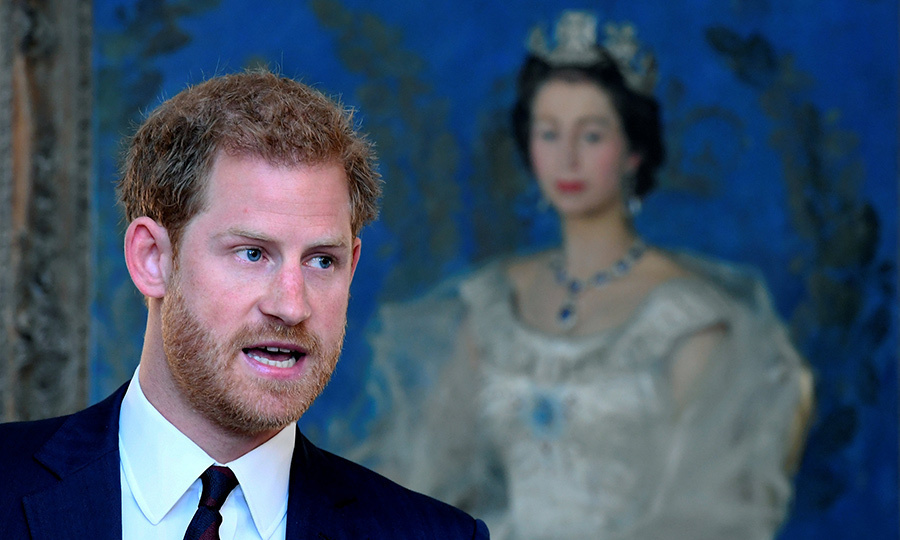 <br/>A portrait of his grandmother Queen Elizabeth in the background, Prince Harry attended his first engagement back home in London after his high profile appearance at the Invictus Games in Toronto last month. The British royal – who made his public debut with American girlfriend Meghan Markle of TV drama <em>Suits</em> during the week-long Paralympics-style sports competition – spoke at an event on mental health at the Ministry of Defence (MoD) on October 9.<br/><br/>Photo: Toby Melville-WPA Pool/GettyImages</p>