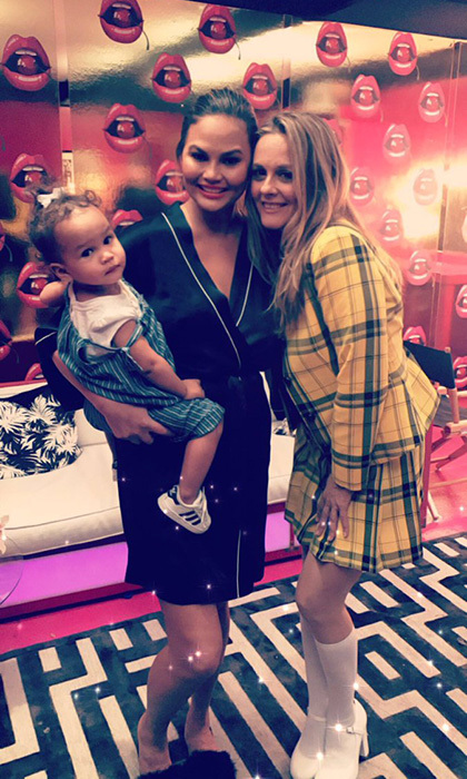 <p>Supermodel Chrissy Teigen and her adorable little girl Luna fangirled over Alicia Silverstone on Sunday (Oct. 22). The actress wore her iconic '90s yellow tartan ensemble, a symbolic outfit featured in the cult classic film <i>Clueless</i>. Alicia was dressed up as her character Cher, and Chrissy just had to ask for a picture!