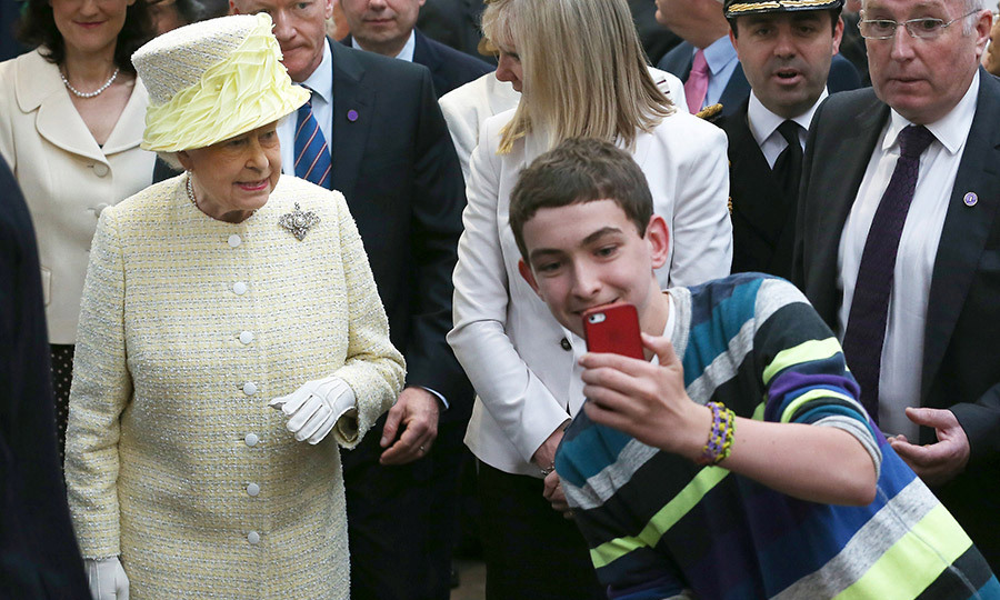 <p><strong>No selfies</strong></p>