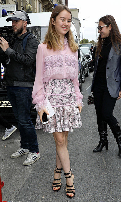 <p>The younger of Princess Caroline's daughters, 18-year-old Princess Alexandra of Hanover, was pretty in pink at the Giambatista Valli Spring/Summer 2018 show during Paris Fashion Week on October 2. The royal wore a pretty blouse and skirt by the Italian designer – who is also a favorite of Princess Alexandra's sister Charlotte Casiraghi – along with cool bow-bedecked sandals.<br /><br />Photo: Pierre Suu/Getty Images</p>