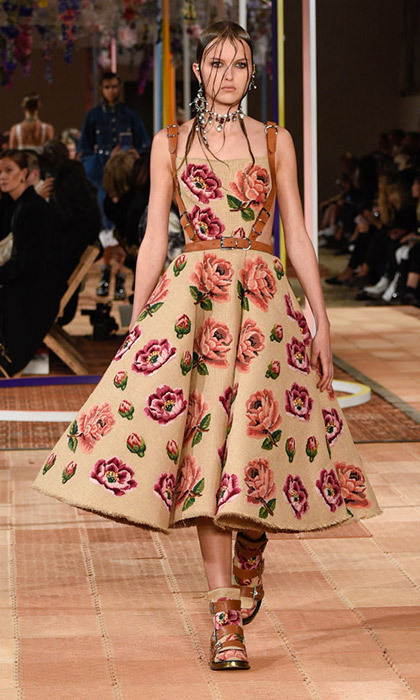<h4>Alexander McQueen (S/S 2018)</h4>