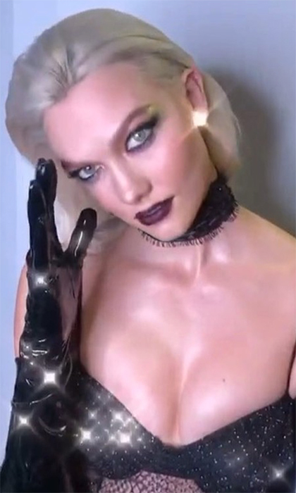 <p>Model Karlie Kloss stunned her Instagram followers with a gorgeous video of her Halloween getup.