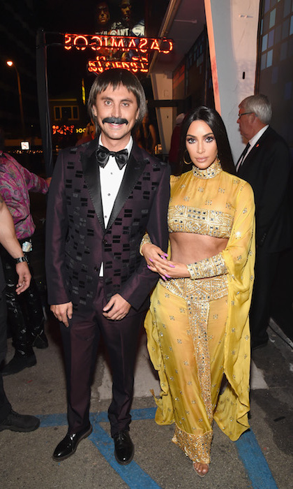 Kim Kardashian and best friend Jonathan Cheban channeled 70s power couple Sonny and Cher. 