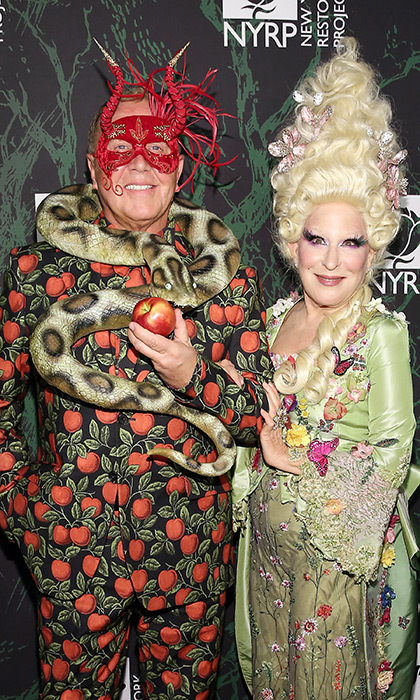 <p>Actress Bette Midler and designer Michael Kors posed for a photo together at Bette's 2017 Hulaween Event, in support of The New York Restoration Project Oct 30!</p>