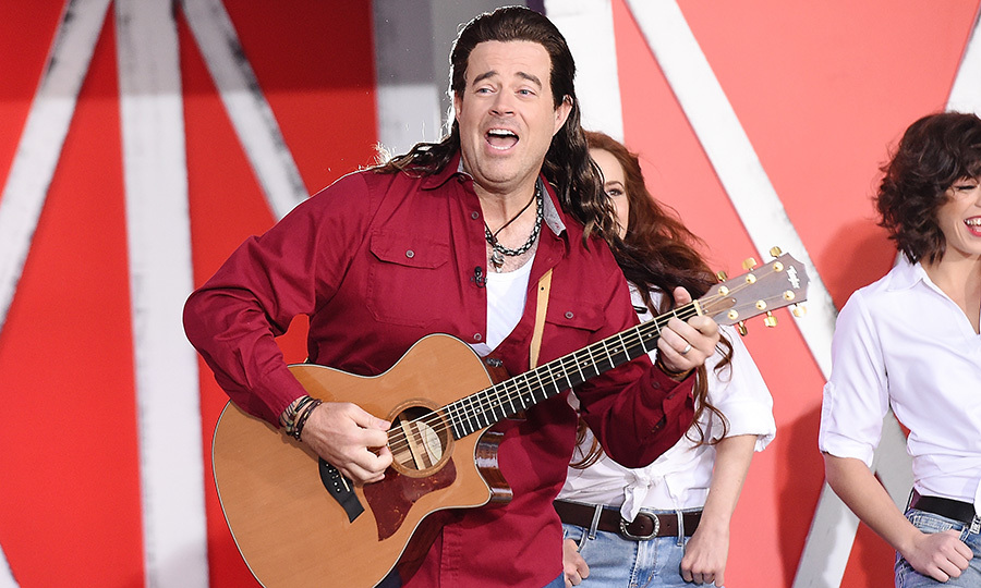 <p>At Today's Halloween Extravaganza, Carson Daly disguised himself as Billy Ray Cyrus for a performance Oct 31.</p>