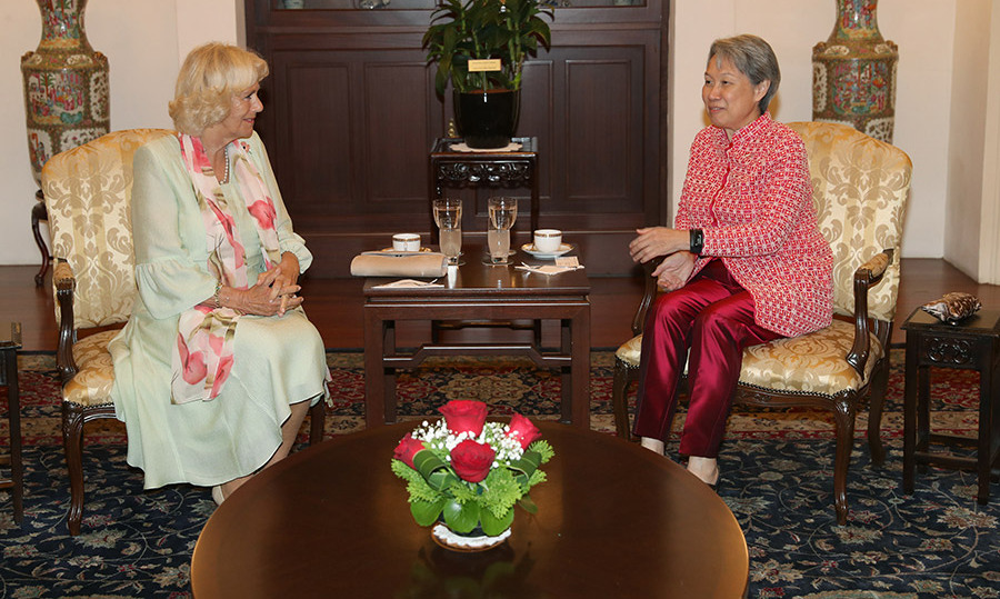 The Duchess of Cornwall and Ho Ching, wife of Singapore's Prime Minister, got to know each other over a cup of tea at the palace. 