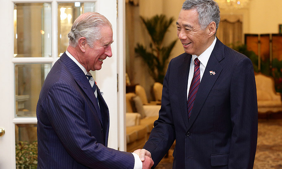 The future king enjoyed a friendly conversation with Singapore Prime Minister, Lee Hsien Loong. 