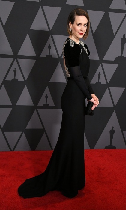 <p>Sarah Paulson looked scary good as she entered the affair. Donning a sleek Miu Miu dress and fitting Tyler Ellis clutch, the acclaimed actress oozed with elegance. Like Salma, the <em>American Horror Story</em> frontrunner also had some sweet shoulder accents on her outfit.</p>