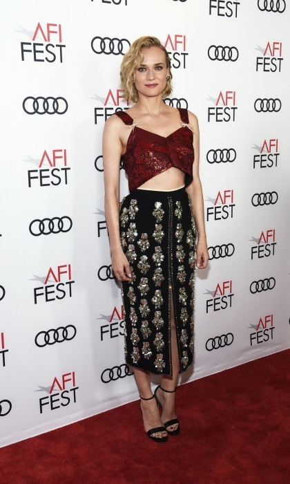 Diane Kruger made a chic statement on the 2017 AFI Fest carpet on November 10 at the TCL Chinese Theatre in Hollywood. The 41-year-old actress rocked a dazzling N°21 crop top and skirt, which she paired with Jimmy Choo heels, while attending a screening of the classic movie <em>Guess Who's Coming to Dinner</em>.