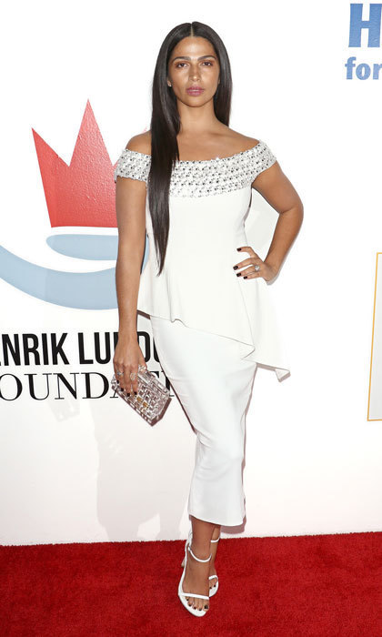 Camila Alves was a vision in white at the 2017 Samsung Charity Gala held in NYC. Matthew McConaughey's wife was on hand to support her and her husband's Just Keep Livin Foundation, which is dedicated to providing high school students with the tools needed to lead a healthy life.