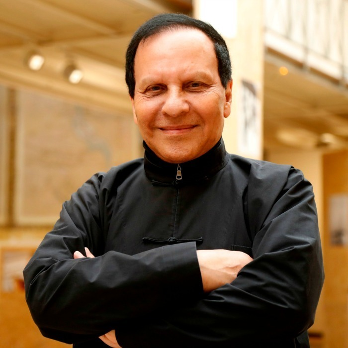 <h4>Azzedine Alaïa</h4>