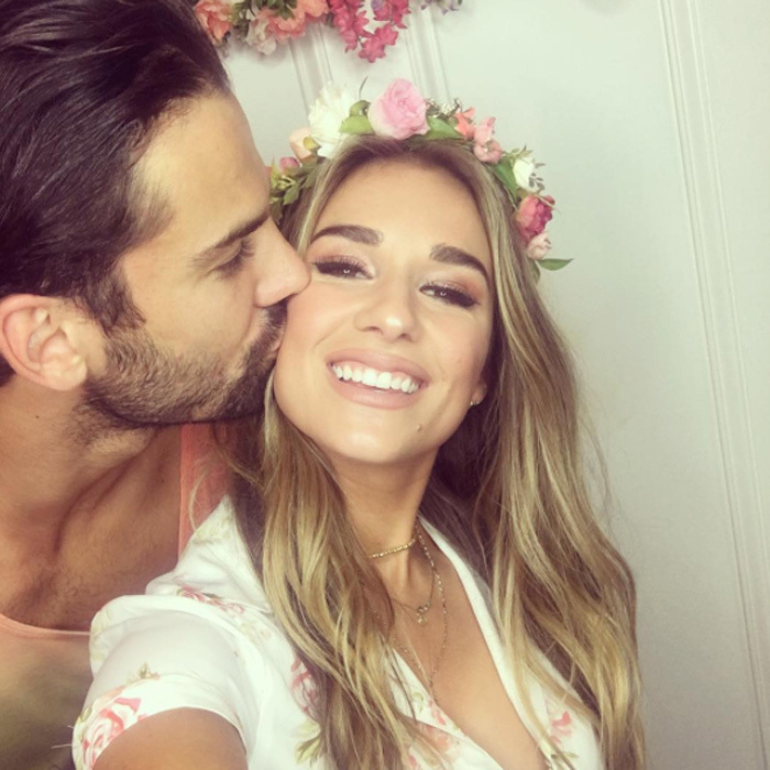 <h2>Jessie James Decker and Eric Decker</h2>